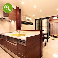 新築住宅のダイニングキッチンと和室撮影実例