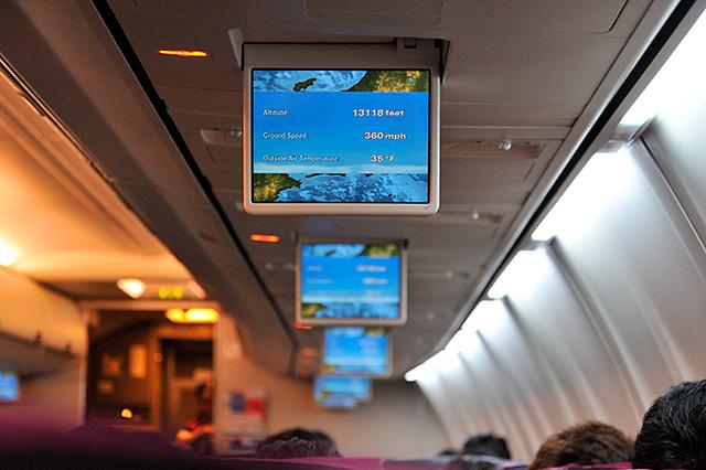 飛行機内のモニター