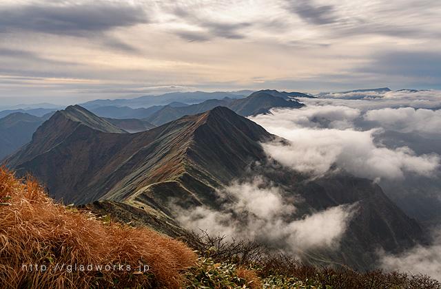 谷川岳頂上付近からの眺め