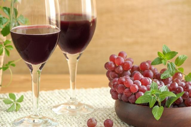 ワインとぶどうイメージ
